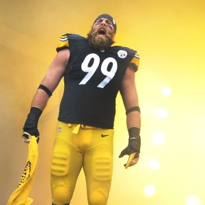 Brett Keisel appears open to playing another season for the Steelers